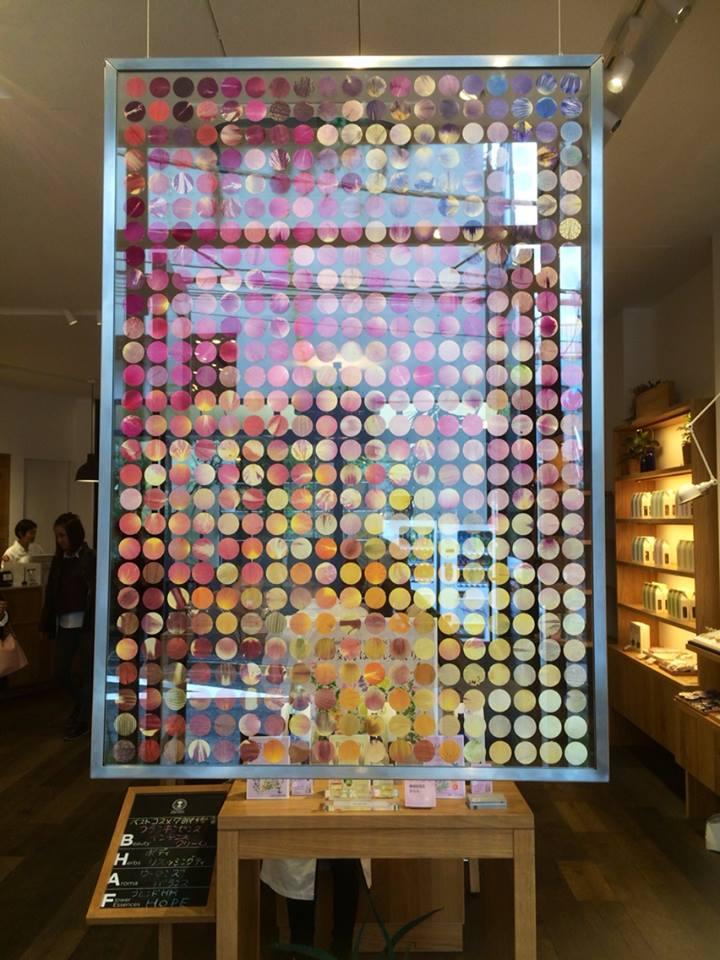 ニールズヤードワークショップ☆本店では表参道アートフェスティバルの作品展示。押し花アート