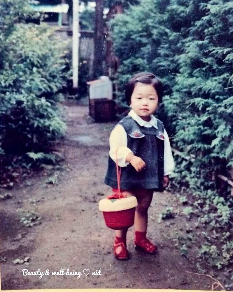 なおみ小さい頃バッグ持って