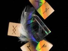 ルーンメイン羽根と水晶