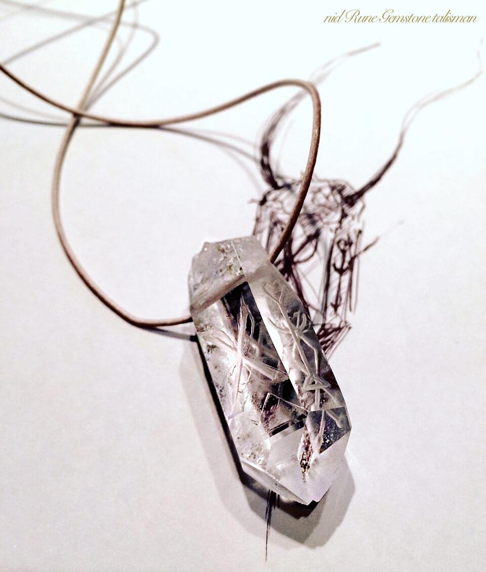 六角水晶ネックレスデッサンと