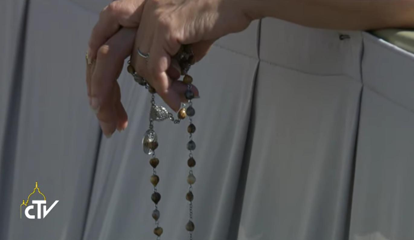 マザーテレサ2016.9.4_バチカン列聖式_ロザリオ